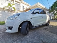 Sell White Mitsubishi Mirage in Parañaque