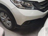 Selling White Honda Cr-V in Bonifacio