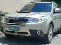 Selling Silver Subaru Forester in Valenzuela