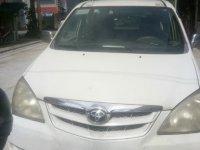 White Toyota Avanza 2010 for sale in Manila