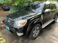Selling Black Ford Everest 2013 in Manila