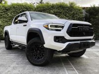 Selling White Toyota Tacoma in Quezon City