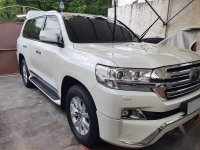 White Toyota Land Cruiser for sale in Parañaque