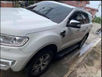 White Ford Everest 2016 for sale in San Mateo