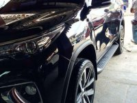 Selling Black Toyota Fortuner in Quezon City