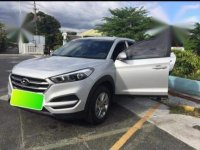 Selling Silver Hyundai Tucson in Parañaque