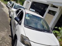 Selling White Toyota Vios in Quezon City
