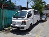 Pearl White Hyundai Accent for sale in Pasig