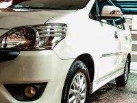 Selling Pearl White Toyota Innova 2012 in Manila