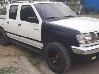 Sell Pearl White 2000 Nissan Frontier in Cavite