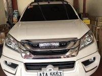 White Isuzu Mu-X 2014 for sale in Quezon City