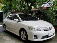 Sell Pearl White 2011 Toyota Corolla Altis in Manila