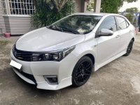 Selling Pearl White Toyota Corolla Altis 2016 in Angat