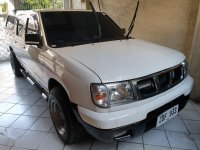 Selling Pearl White Nissan Frontier 2006 in Pateros