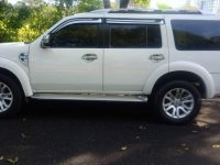 Selling White Ford Everest 2014 in Manila