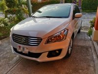 Selling White Suzuki Ciaz 2017 in Cavite