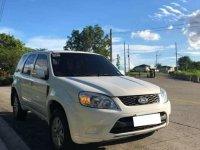 Selling White Ford Escape 2013 in Manila