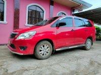 Red Toyota Innova 2013 for sale in San Pedro