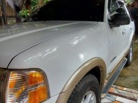 White Ford Explorer 2006 for sale in Quezon