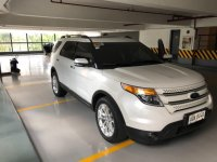 Selling White Ford Explorer 2014 in Makati
