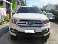 Selling White Ford Everest Ambiente 2017 in Muntinlupa