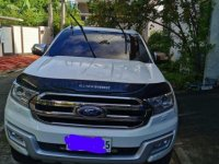 Selling White Ford Everest 2016 in Pasig