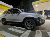 Selling Brightsilver Honda CR-V 2002 in Quezon
