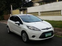 Selling White Ford Fiesta 2012 in Quezon