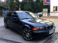 Selling Black BMW 316i 2000 in Lipa