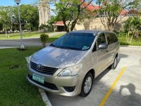 Selling Brightsilver Toyota Innova 2012 in Silang