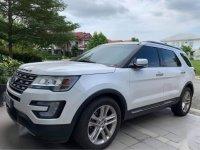 Selling White Ford Explorer 2017 in Muntinlupa