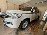 Selling White Toyota Land Cruiser 2017 in Makati