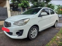 Selling White Mitsubishi Mirage G4 2015 in Pasig