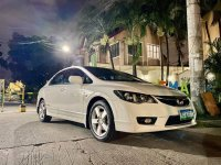 White Honda Civic 2009