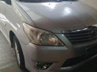 Silver Toyota Innova 2012