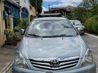 Selling Silver Toyota Innova 2009 in Marikina