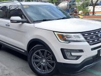 White Ford Explorer 2017 for sale in Quezon