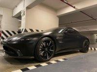 Selling Aston Martin Vantage 2020