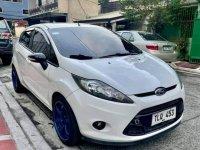 White Ford Fiesta 2013