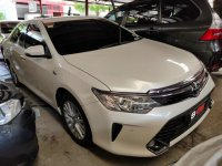Pearl White Toyota Camry 2018 for sale in Quezon
