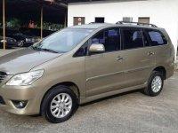 Selling Toyota Innova 2013