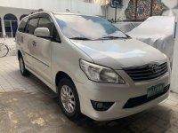 Selling Toyota Innova 2012