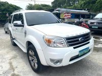 White Ford Everest 2013 for sale in Pateros