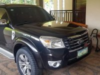 Selling Black Ford Everest 2012 in Lipa