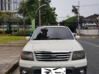 Selling White Ford Escape 2007 in Mandaluyong