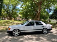 Selling White Mercedes-Benz 260E 1987 in Paranaque