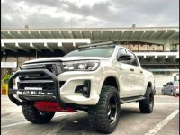 White Toyota Hilux 2018 for sale in Quezon