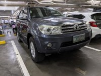 Selling Silver Toyota Fortuner 2011 in Parañaque