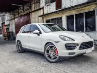 Selling Pearl White Porsche Cayenne 2014 in Quezon