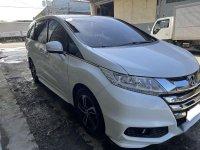 Selling White Honda Odyssey 2015 in Consolacion